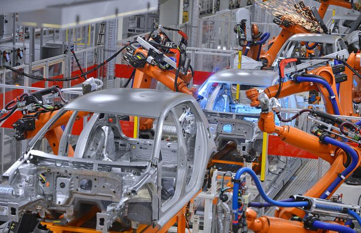In der intelligenten Fabrik von morgen werden Kundenwünsche in Produktionsabläufe übersetzt.  © microolga – thinkstockphotos.de