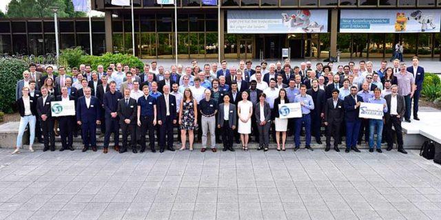 Gruppenbild der Teilnehmer an der 5G Jahrestagung in Paderborn